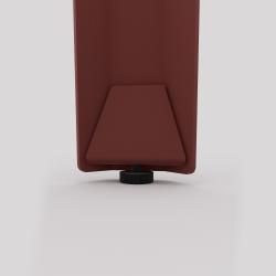 Détail du bas du pied d'angle Saphir, coloris red brown